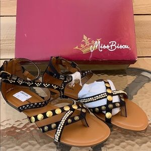 🆕 Miss Bison Chunky Sandals